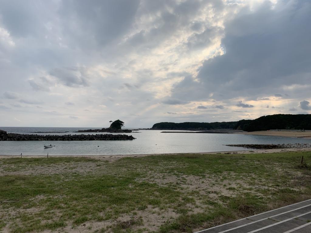 三重県 志摩市 あづり浜 ゴジラ
